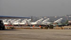 الدفاع الروسية: مغادرة أول دفعة من طائراتنا من قاعدة حميميم إلى روسيا