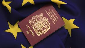 """موديز تخفض توقعاتها الائتمانية لبريطانيا لـ""""سلبية"""".. وعريضة بمليون توقيع تطالب باستفتاء ثان حول الخروج من الـEU"""