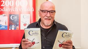 الروائي البرازيلي باولو كويلو  يتحسّر على مصادرة كتبه في ليبيا: الإسلام دين يستحق احترامنا