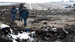 """تحطم """"فلاي دبي"""".. أجزاء الطائرة انتشرت على مساحة مستطيلة تصل لـ450 مترا.. ووزير المواصلات الروسي: فحص الأشلاء قد يستغرق أسبوعين"""