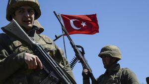 الجيش التركي يعلن مقتل أحد جنوده وإصابة آخر في العراق نتيجة سقوط قذائف على قاعدة عسكرية