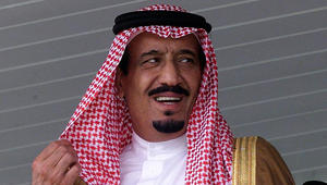 العاهل السعودي يأمر بتنظيم حملة شعبية لإغاثة السوريين