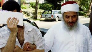 """إعلامي مصري: ما لا تعرفه عن عمر عبدالرحمن """"مفتي التطرف"""""""