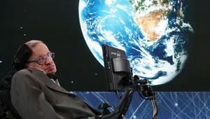 ستيفن هوكينغ: لدى البشر هذا القدر من الوقت المتبقي على الأرض