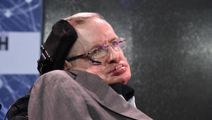 وفاة عالم الفيزياء الشهير ستيفن هوكينغ عن عمر 76 عاماً