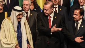"""بالفيديو: وسم """"الملك سلمان يتجاهل روحاني"""" يغزو تويتر.. ومغردون يُشيدون بـ""""ملك الحزم والعزم"""""""