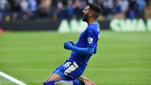 رياض محرز يتوج بلقب أفضل لاعب في الدوري الإنجليزي الممتاز