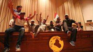 """العبادي: الأوضاع في بغداد تحت السيطرة.. ورئيس البرلمان يدعو الصدر إلى """"ترشيد المتظاهرين"""""""