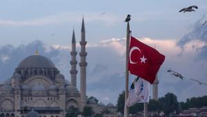 الرئيس الأسبق لاستخبارات بريطانيا الخارجية يحذر من إعفاء تركيا من التأشيرة لأوروبا: أشبه بتخزين الوقود إلى جانب النار