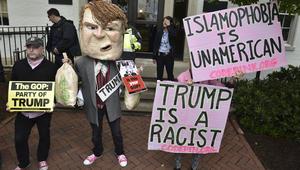 """ترامب يتراجع خطوة عن موقفه من منع المسلمين.. ويقترب خطوة من """"توحيد الجمهوريين"""""""