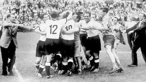 """حكاية مونديال 1954.. ألمانيا تتوج باللقب في ليلة """"معجزة برن"""""""