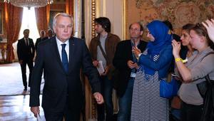 وزير الخارجية الفرنسي: لا نستبعد أي نظرية في حادث طائرة مصر للطيران.. والسفير المصري في باريس: لا نخشى الحقيقة