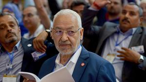 """زعيم حركة النهضة راشد الغنوشي يحضر المناقشات، في مدينة الحمامات في اليوم الثالث من مؤتمر """"النهضة"""""""