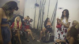 المتسابقات وراء الكواليس في أول مسابقة لملكة جمال المتحولين جنسياً بإسرائيل
