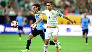 المكسيك تحقق فوزا مثيرا على الأوروغواي