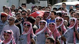 """خبير بشؤون الجماعات الإسلامية يرجح لـCNN تنفيذ """"الذئاب المنفردة"""" عملية استهداف مبنى المخابرات بالأردن"""