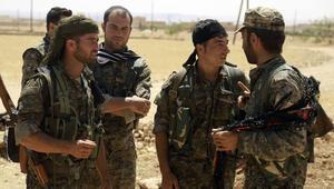 المرصد: قوات سوريا الديمقراطية وبدعم التحالف الجوي تسيطر على 40% من منبج.. والاشتباكات مع داعش مستمرة