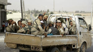 المرصد: قوات سوريا الديمقراطية تدخل منبج للمرة الأولى.. وعشرات القتلى المدنيين في غارات على الرقة