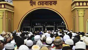 الشرطة البنغالية لـCNN: هجوم مسلح على مسجد في دكا خلال صلاة عيد الفطر
