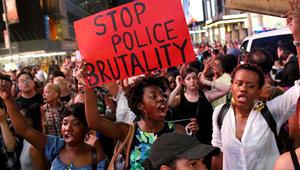 """""""أخي الأسود أنا أحبك"""" يتصدر """"تويتر"""".. مسلمون وعرب يتضامنون مع القتلى الأمريكيين برصاص الشرطة"""