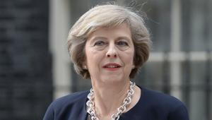 تيريزا ماي تبدأ تعيين وزراء الحكومة البريطانية الجديدة.. تعرف عليهم