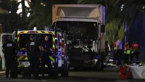 مسؤول فرنسي: عملية الدهس في نيس امتدت لمسافة كيلومترين.. والعثور على أسلحة ومتفجرات في الشاحنة