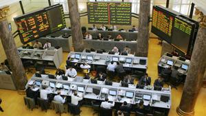"""بعد استلام الدفعة الثانية من قرض الصندوق الدولي.. مصر: مؤشر البورصة الرئيسي يُسجل """"مستوى تاريخياً"""""""
