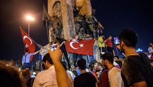 """تويتر يشير إلى """"تباطؤ متعمد"""" في الخدمة خلال محاولة الانقلاب العسكري في تركيا"""