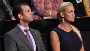 """زوجة نجل ترامب تفتح رسالة تحتوي """"مادة مشبوهة"""""""