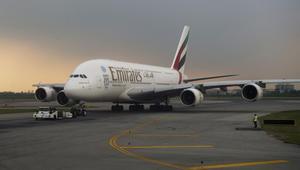 """عملاقة الطيران """"الإمارات"""" تفكر باقتناء الطائرات الصغيرة"""