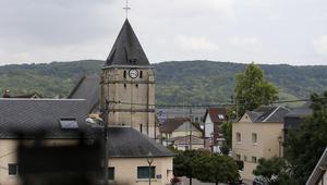 إمام المسجد المحلي بسان ايتين بفرنسا يرفض المشاركة بدفن قاتل القسيس