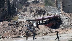 """روسيا وسوريا: """"عملية إنسانية"""" في حلب و""""ممرات آمنة وعفو"""".. وحجاب: تهجير قسري وجريمة حرب"""