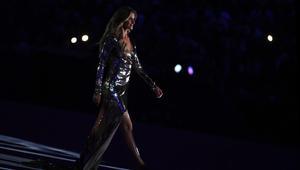 عارضة الأزياء البرازيلية جيزيل بوندشين في حفل افتتاح دورة الألعاب الأولمبية ريو 2016