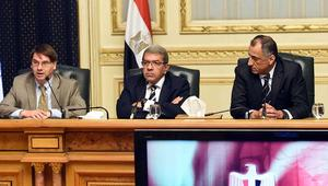 خبراء يشرحون سيناريوهات تعويم الجنيه وصندوق النقد في مصر