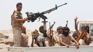 """عسيري لـCNN: التحالف لم يقصف مدرسة بل معسكر تدريب للحوثيين.. و""""الانقلابيون"""" يستغلون الأطفال"""