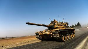 """وسط مطالب بإغلاق القاعدة العسكرية التركية في قطر.. """"دفعة تعزيزية"""" من القوات التركية تصل إلى الدوحة"""