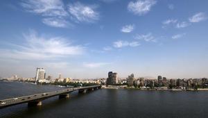 """بيان لشخصيات بمصر يطالب بـ""""رحيل السلطة"""" بعد تعويم الجنيه ورفع أسعار الوقود"""