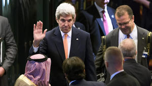 """جون كيري إلى لندن لبحث الأزمة السورية بعد فشل اجتماع """"لوزان"""""""