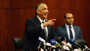 محافظ البنك المركزي في مؤتمر عن تعويم الجنيه: الشعب المصري مبسوط حتى مراتي مبسوطة