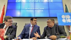 """دول """"أوبك"""" تتفق على خفض إنتاجها من النفط بـ1.2 مليون برميل"""