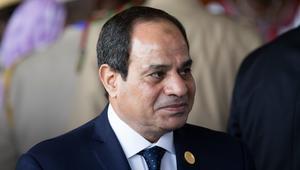 """السيسي يعتذر لسيدة من شمال سيناء عن """"سقطة كبيرة"""": حقك عليا أنا.. وطوّلوا بالكم على بلدكم"""