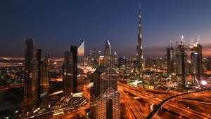 هل تبحث عن عمل في الإمارات؟ إليك 8 أمور عليك معرفتها في 2017