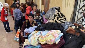 موجة نزوح للمسيحيين من شمال سيناء بسبب هجمات داعش.. كيف تعاملت الحكومة والكنيسة؟