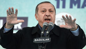 هولندا تمنع هبوط طائرة وزير خارجية تركيا.. وأردوغان: فاشيون وبقايا النازية