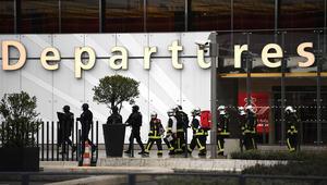 باريس: منفذ هجوم مطار أورلي صاح بأنه جاء