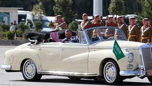 """تداول صور """"الاستقبال الشعبي المهيب"""" لملك السعودية بالأردن"""