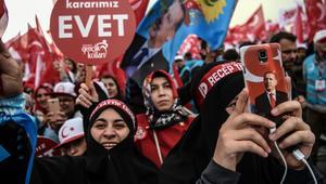 مع توجه الأنظار لاستفتاء تركيا.. بيرغن لـCNN: الربيع العربي تحول لشتاء بالمنطقة كلها