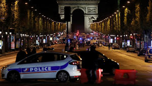 الداخلية الفرنسية: مقتل شرطي وإصابة 2 إثر إطلاق نار في الشانزلزيه