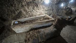 علماء الآثار  في مصر يعثرون على 17 مومياء في