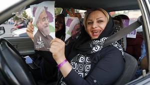 بالصور.. إيرانيات حاضرات بقوة لدعم روحاني ورئيسي